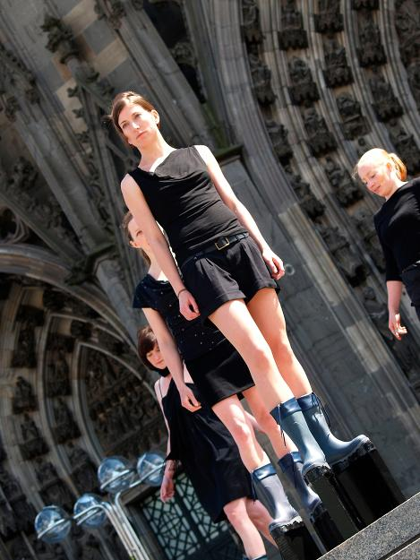 boots for rising waters, socially engaged performance art, schwenk, dom cathedral cologne
